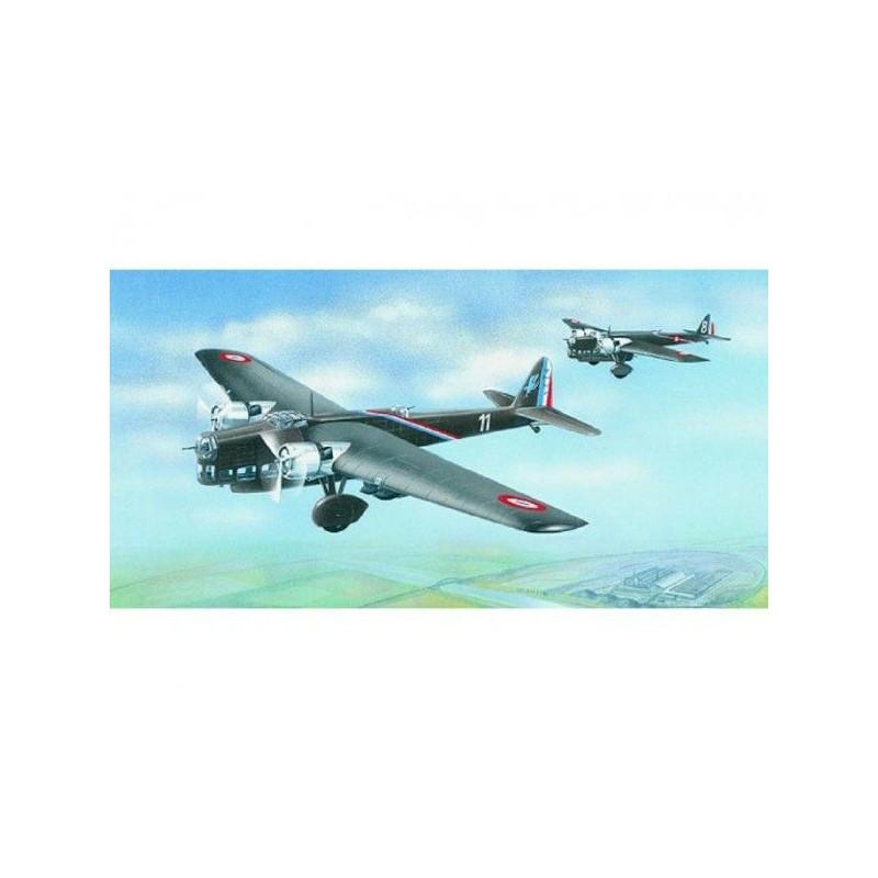 Model Amiot 143 1:72 25,7x31,5cm v krabici 34x19x5,5cm